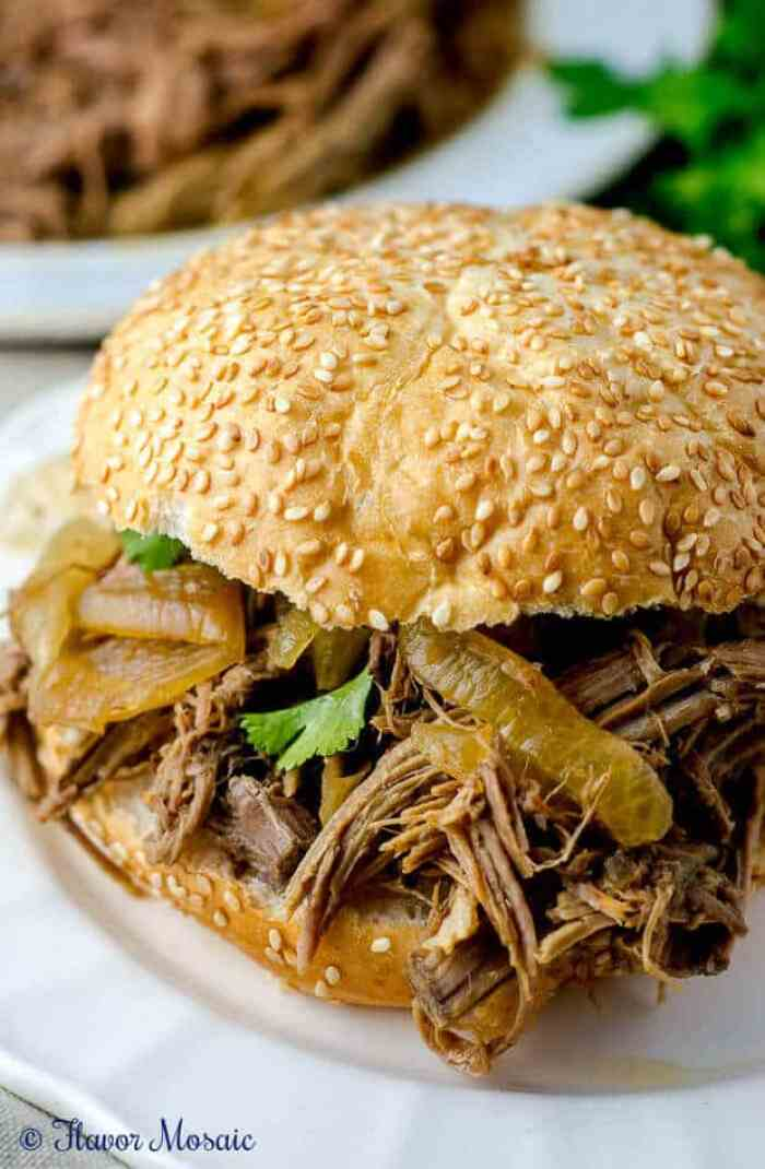 4 Slow Cooker Pulled Pork Sandwiches
