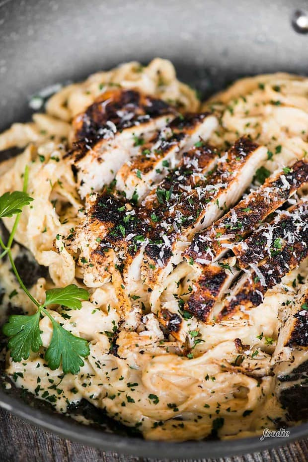 CCajun Chicken Alfredo Pasta is a quick and easy dinner with all the comfort of flavorful Cajun chicken, creamy Alfredo sauce, and satisfying pasta.