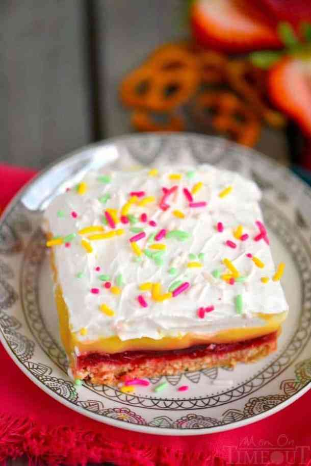 No-Bake Strawberry Layered Pretzel Dessert