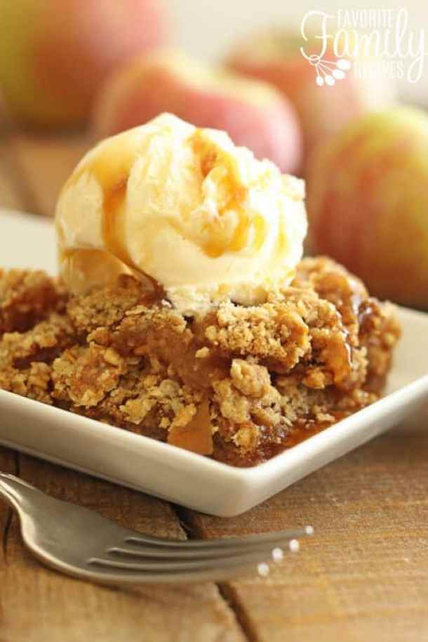 TRADITIONAL APPLE CRISP -- part of 19 MUST MAKE APPLE RECIPES FOR FALL