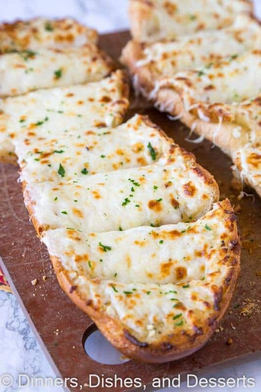 Cheesy Garlic Bread – cheesy, garlicky goodness that can accompany just about any meal on any night of the week!