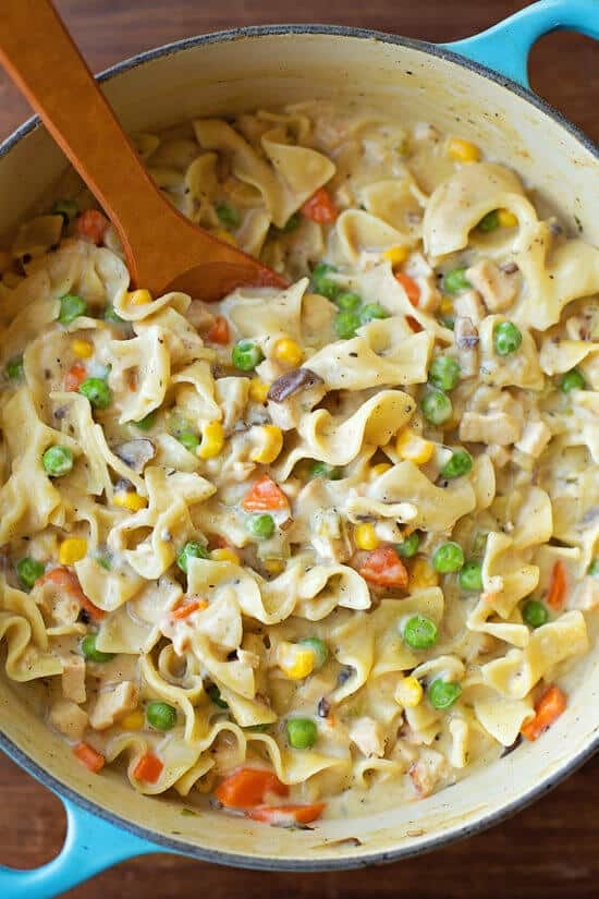 One Pot Creamy Chicken Pot Pie Noodles