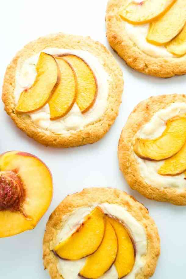 Low Carb Cream CheeseDanish with Peaches--- Part of 30 Breakfast Danishes to Start Mornings off Right