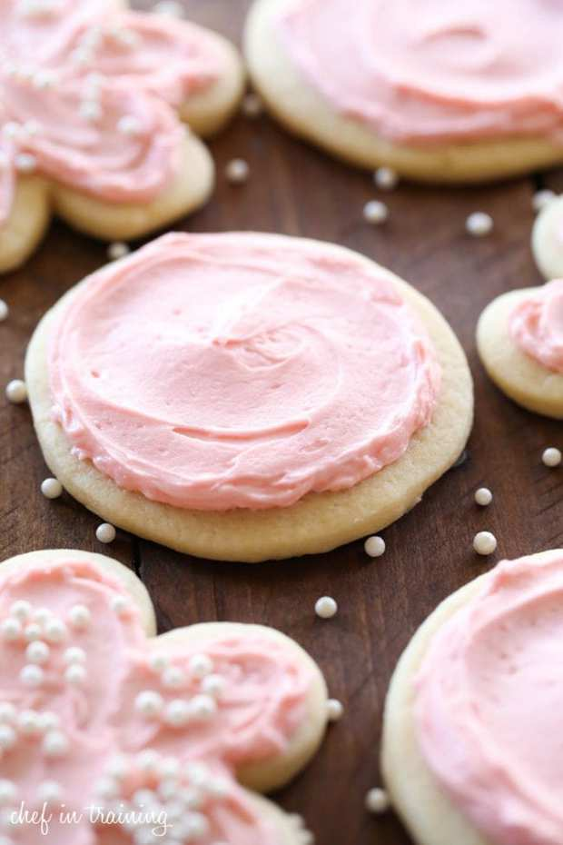 Who doesn't love a good sugar cookie?! This particular recipe is my favorite sugar cookie recipe that I have tried.
