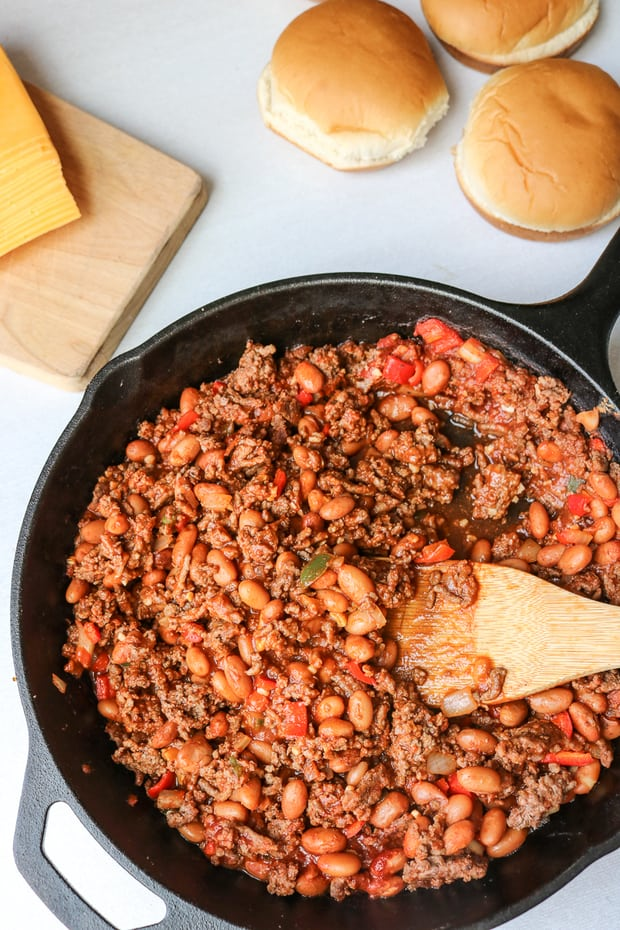 Homemade Healthy Sloppy Joes: Think Sloppy Joes are unhealthy? Think again!Lean ground sirloin, fresh veggies, and beans are enveloped into a sweet and tangy homemade sauce.
