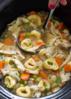 Slow Cooker Chicken Tortellini Soup