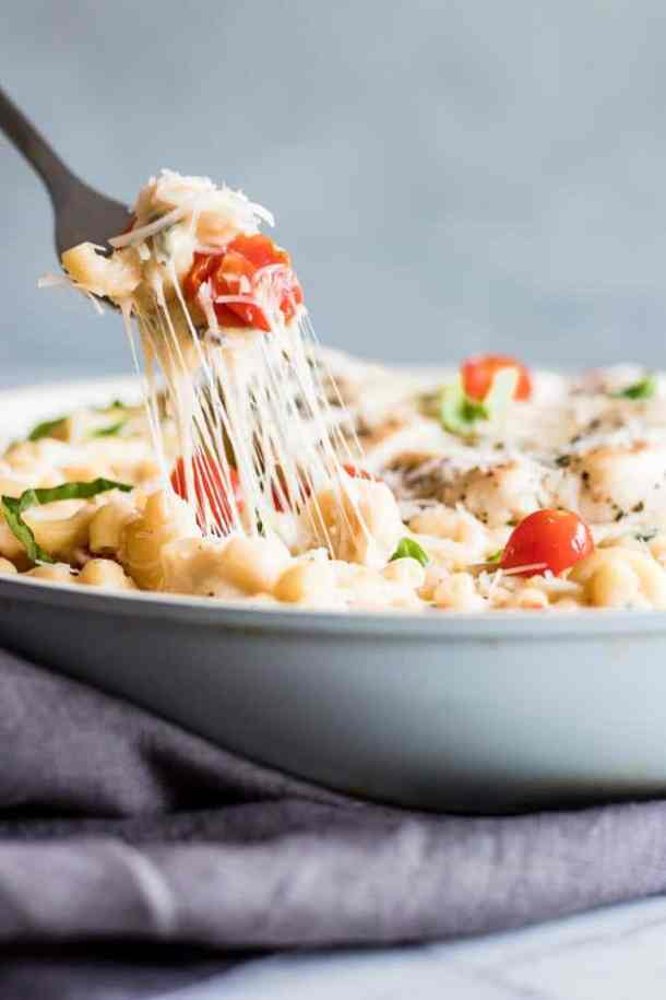 Chicken Caprese Macaroni and Cheese -- Part of The Best Macaroni and Cheese Recipes