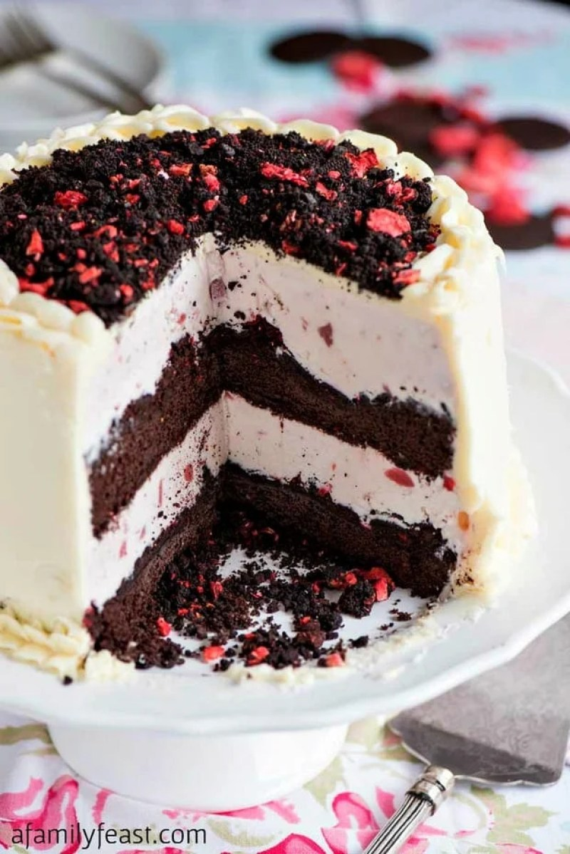 Chocolate Crunch Strawberry Ice Cream Cake