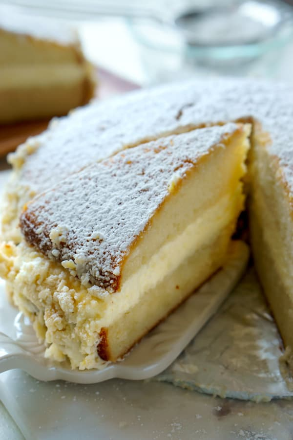 Copycat Olive Garden Lemon Cream Cake Recipe