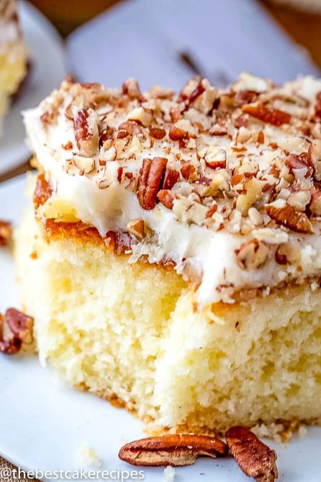 elvis presley\'s favorite cake on a plate