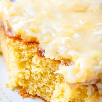 Pineapple 7UP Cake
