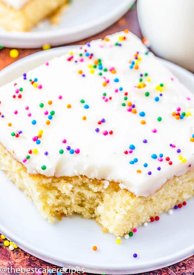 white cake with white frosting