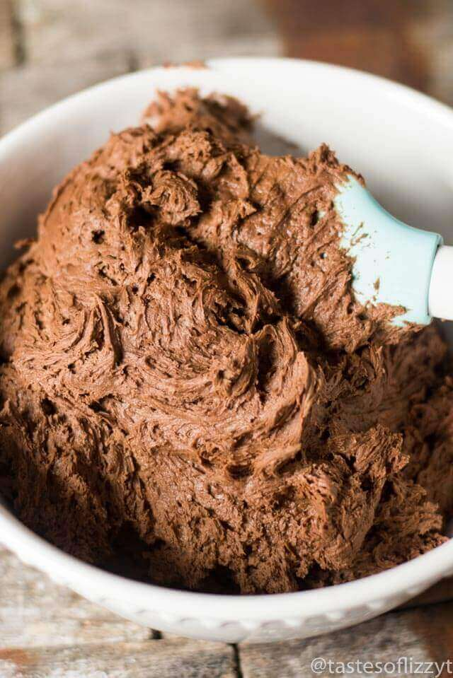 best chocolate frosting  in a bowl
