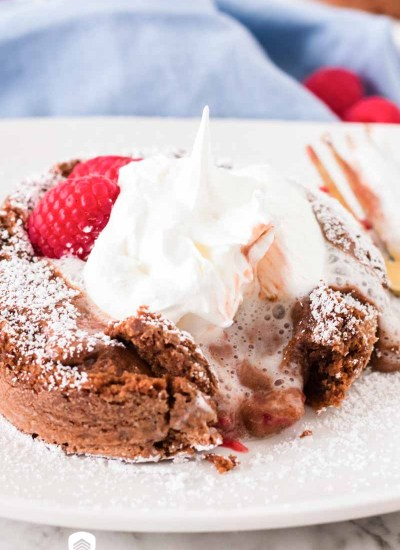 Raspberry Lava Cakes with fresh raspberries