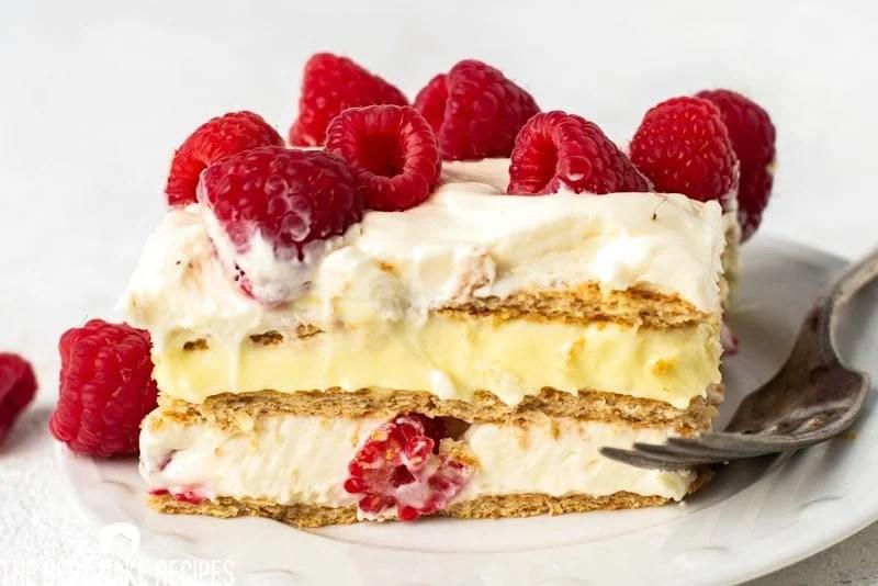 slice of pudding graham cracker cake