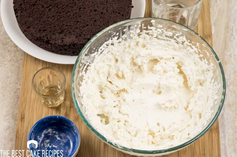low carb whipped frosting