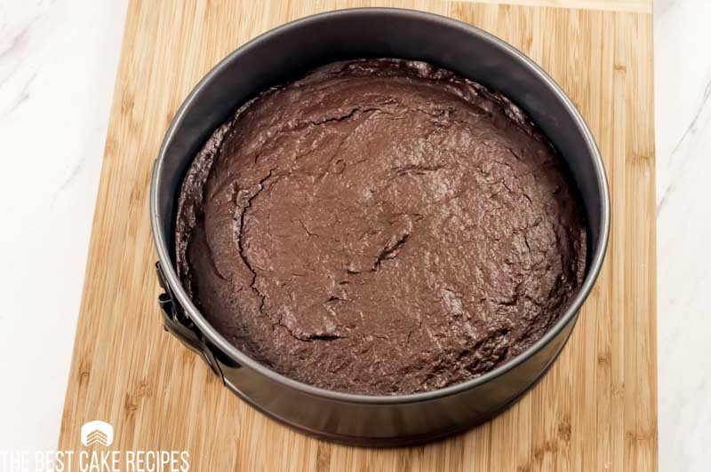 baked keto chocolate fudge cake