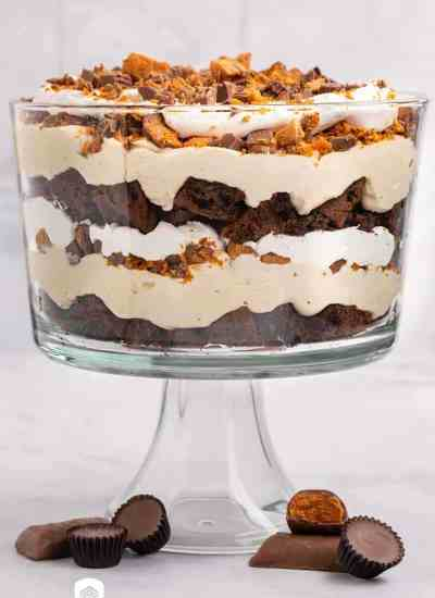 chocolate butterfinger trifle in a glass dish