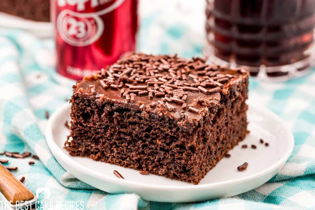 dr pepper chocolate cake with fudge frosting