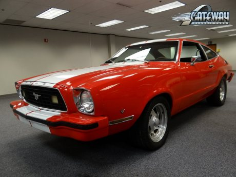 Ford Mustang II - Red with White Stripes