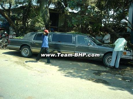 Lincoln Towncar Limo