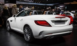 2017-Mercedes-Benz-SLC-show-floor-102-876x535