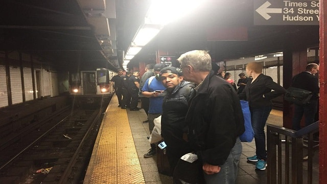 The 7 train was brought to a halt last month for a hair-raising rescue operation. (DANNY LEWIS/NEW YORK DAILY NEWS)