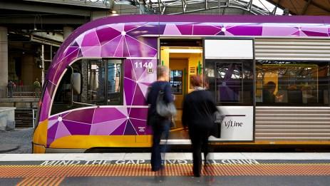 Passengers-boarding-a-VLine-train_1000x563