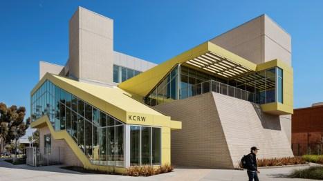 santa-monica-college-center-for-media-and-design-kcrw-media-center-california-clive-wilkinson-architects_dezeen_hero
