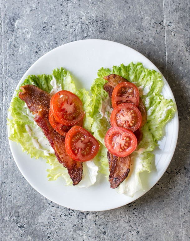 Looking for an easy keto lunch recipe? These Keto BLT Lettuce Wraps are naturally low in carbs and perfect for a grab and go keto meal! #keto