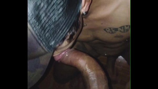 Cafuçu pica torta metendo vara no tatuado