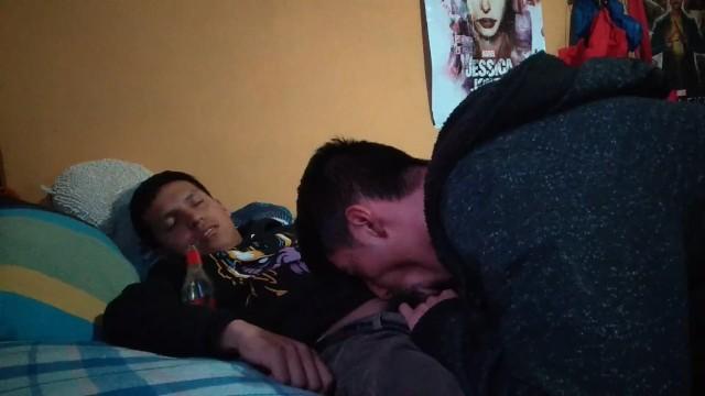 Mamando o amigo bêbado