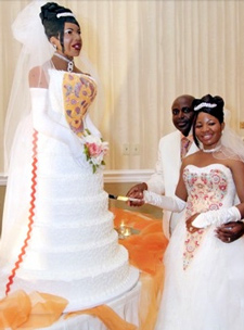 outrageous wedding cakes   The Best Wedding Blog Ever by Marilyn s     Bride   HER Wedding Cake
