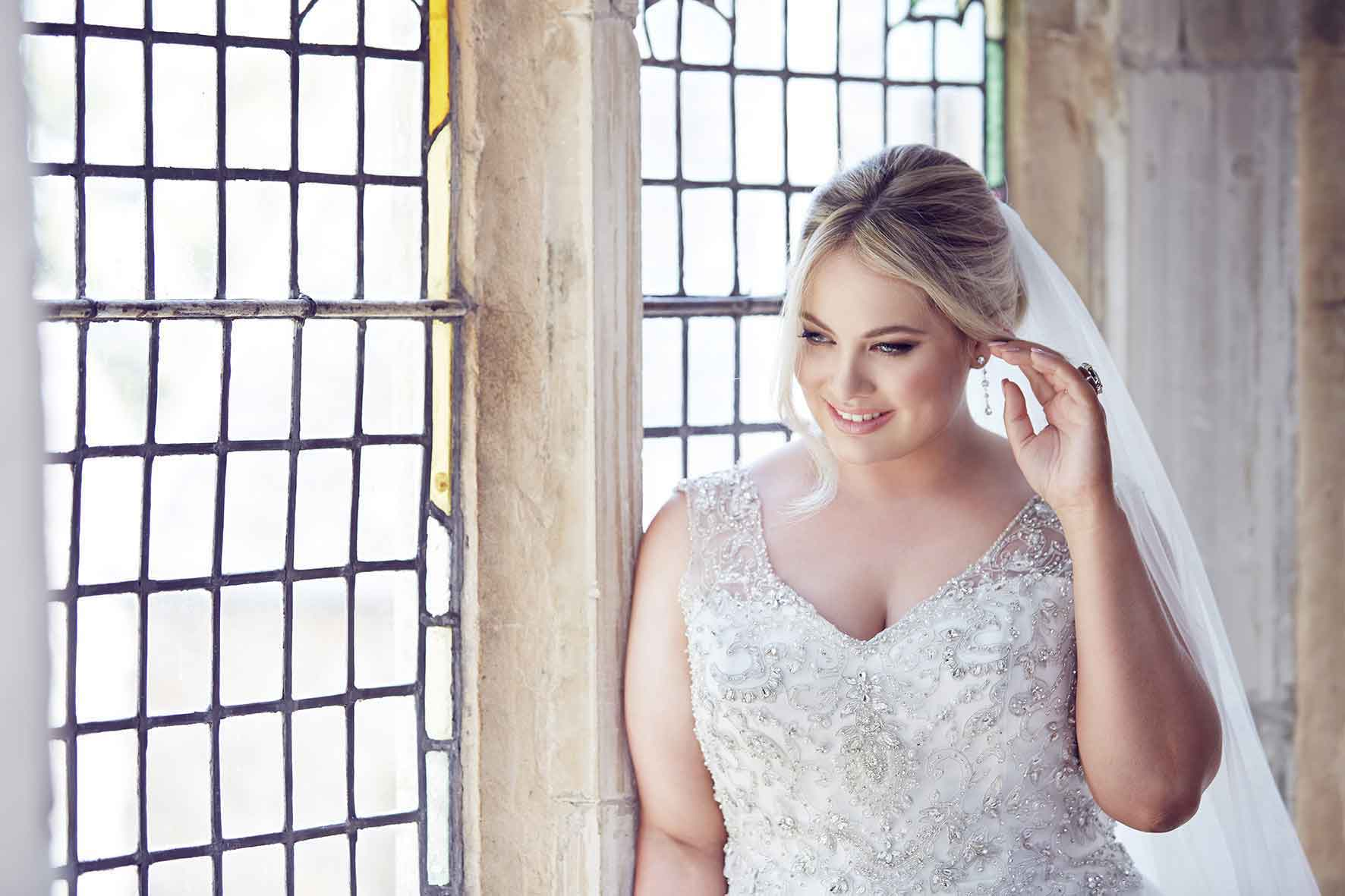 What Are The Best Solutions For Plus Size Brides: Tips On