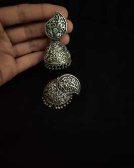Traditional jhumka with leaf shape stud