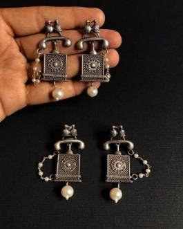 Square shaped telephone earring