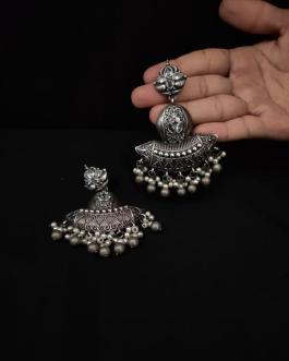 Long pearl jhumka