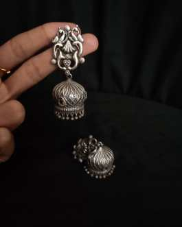 Long and classic jhumka