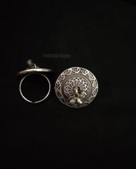 Ring with single ghughroo