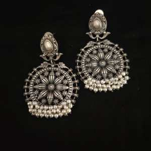 pearl round earring