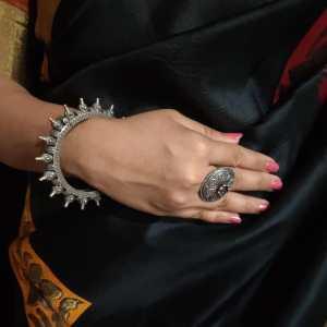 Elegant silver look alike kada