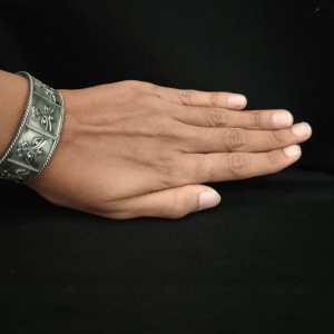 Simple Elegant Silver Look Alike Bracelet