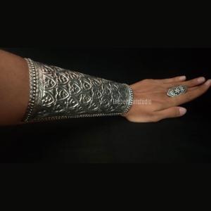 Silver Look Alike Handcuff