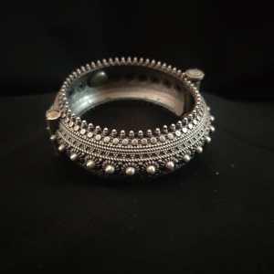 Round antique design Silver Look Alike kada