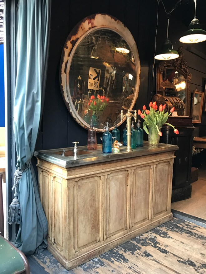 Best Vintage Shops in Paris
