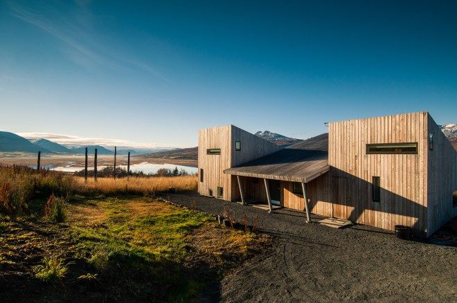 The Better Places DESIGN CRUSH: RENT THIS AIRBNB VILLA IN ICELAND