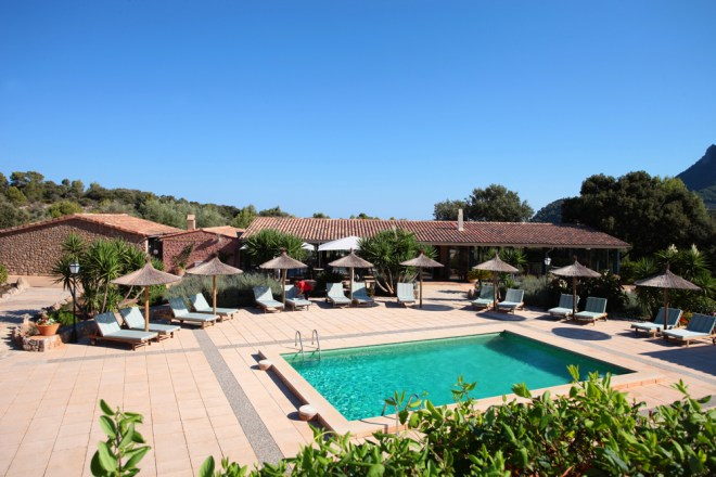 thebetterplaces_hotel_mallorca_pool.jpg