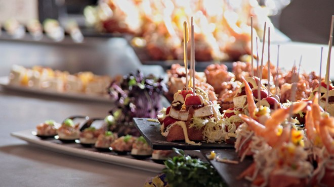 the-better-places-tast-club-palma-de-mallorca-restaurant-foodguide-cityguide-schoeller-jessie-vonbronewski-gloria-schoeller-helena-reiseblog-travel-blogtapas_varias_tast_club