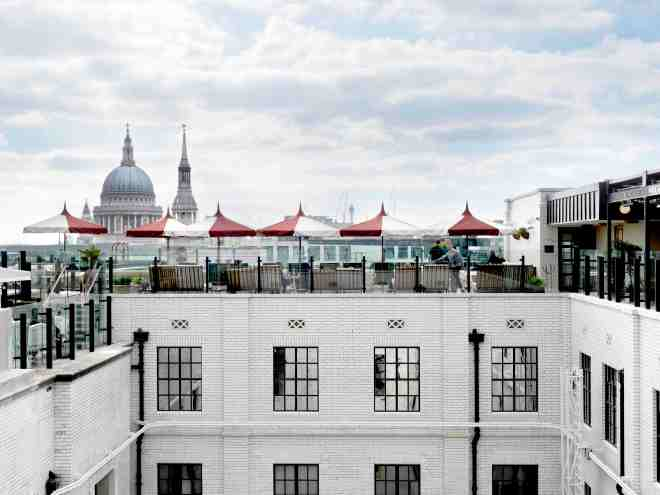 the-better-places-new-hotel-london-soho-house-the-ned-schoeller-jessie-vonbronewski-gloria-schoeller-helena-reiseblog-travel-blogCopyright The Ned Roof 170509 SB HR 01 Kopie
