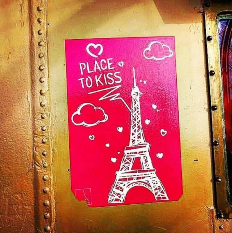 Place to kiss on Eiffel Tower
